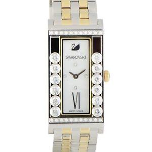 【送料無料】swarovski lovely crystals square white watch 5096689