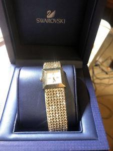 【送料無料】swarovski watch crystal water resistant watch silver authentic 1000673