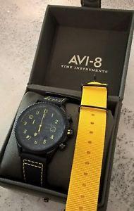 【送料無料】orologio uomo avi8 cronografo, militarystile cinturino cofanetto omaggio