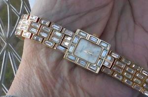 【送料無料】armitron now bracelet wristwatch working gold tone rhinestone baggette stones