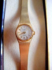 【送料無料】armitron ladies quartz wristwatch textured gold tone  with tag amp; case