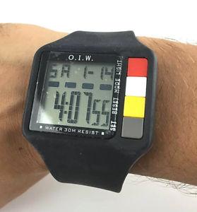【送料無料】orologio oiw icine rubber sport watch chrono alarm light nuovo gomma