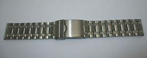 【送料無料】bracelet pour montre en metal brillant et mat maille originale t22