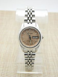 waltham wk040 water resistant 100ft battery silver tone watch