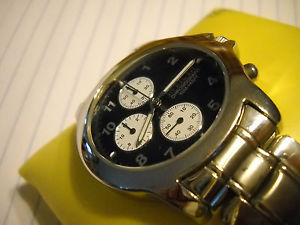 【送料無料】mint rare invicta mens quartz chronograph watch with box and papers
