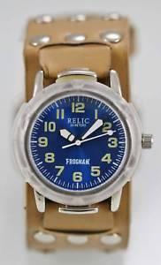 【送料無料】relic watch men blue frogman tan leather stainless silver 50m water resis quartz