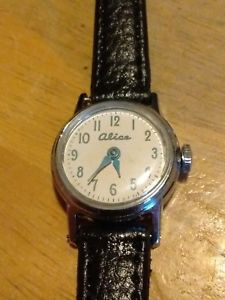 【送料無料】vtg 1965 us time timex alice in wonderland watch, running windup leatherc