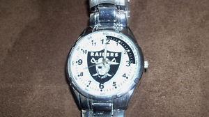 【送料無料】geneva nfl oakland raiders quartz movement watch unused football classic logo