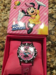 【送料無料】minnie mouse girls wrist watch nib with collectors box pattern 1