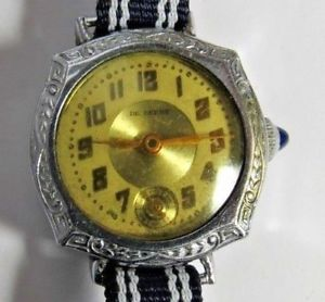 【送料無料】antique swiss ladies de frece 6 jewels wristwatch run