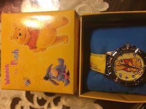 【送料無料】winnie the pooh wrist watch with collectors box cushion nib