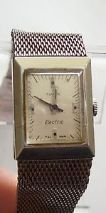【送料無料】vintage 60s silver tone mesh electric timex watch