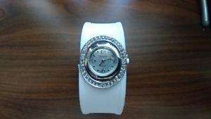 【送料無料】geneva platinum womens quartz bracelet watch mod 2104