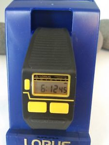 【送料無料】lorus lcd vintage watch boxed