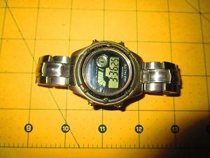 【送料無料】armitron mens stainless silver day date chrono watch alarm