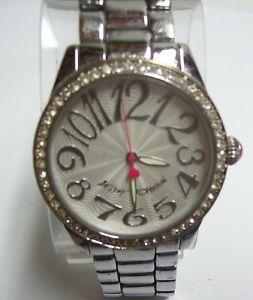 【送料無料】glitzy betsey johnson watch