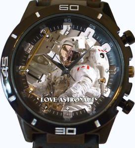 【送料無料】astronaught in space wrist watch fast uk seller