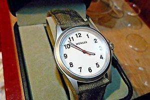 mens 37mm wenger quartz  whitecamo bracelet 79115