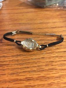 【送料無料】vintage 10k gold small waltham watch