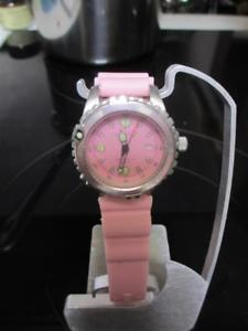 【送料無料】pink momentum scuba dive watch date momentum m1 rubber dayglow numbers dvor1r