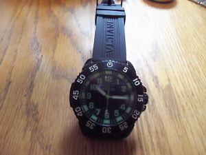 【送料無料】modern invicta divers mens wrist watch