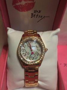 【送料無料】betsey johnson rose gold tone crystal mother of pearl 31mm watch  bj0022103
