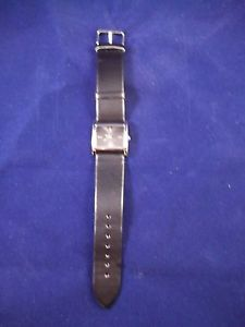 【送料無料】preowned formal quartz watch with rectangular metal case, good condition