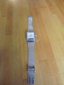 【送料無料】qamp;q pre owned watch quartz alarm chronograph nice condition needs battery