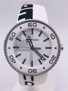 【送料無料】orologio momodesign acciaio md8119w made in italy 43mm 196 scontatissimo nuovo