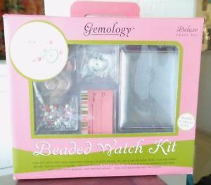 【送料無料】 gemology, beaded watch kit with semiprecious stones, wire, toggle closure