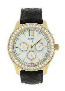 【送料無料】guess w15512l1 womens mother of pearl swarovski day date 24 hr analog watch