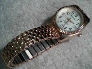【送料無料】milan watch women date window gold tone expansion brand battery