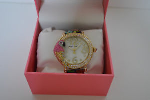 【送料無料】betsey johnson womens parrot goldtone floral leather strap watch 44mm