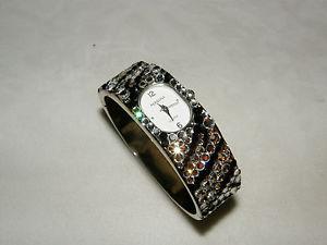 【送料無料】bracelet cuff watch glittering austrian crystal zebra easy on side hinge