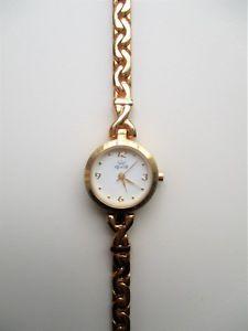【送料無料】bracelet montre watch quartz femme en mtal dor