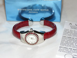 【送料無料】gorgeous avon silvertone january birthstone red cuff watch nib 2005 av3
