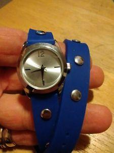 【送料無料】vintage 16 dog collar watch, running with battery b