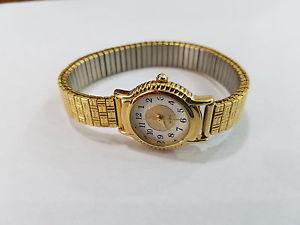 【送料無料】vintage avon wristwatch 3040
