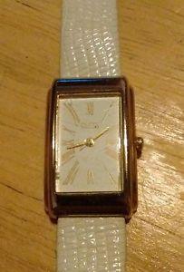 【送料無料】vintage 1990 guess ladies curvex watch, running with battery f