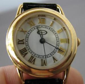 【送料無料】guess ladies quartz watch