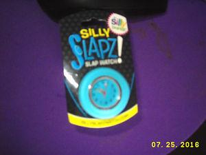 【送料無料】aqua color silly slapz silly brandz flex adjustable stay wristwatch fashion teen