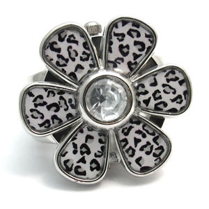 【送料無料】henley fashion ring watch  ladies girls 13 white daisy