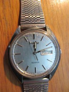 【送料無料】mens pulsar quartz y563806l watch day amp; date adjustable ss strap