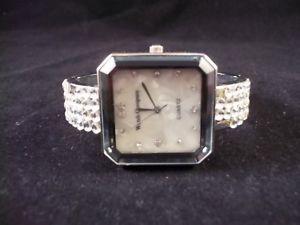 【送料無料】preowned watch company ladies dress quartz watch, square case amp; hinged bracelet