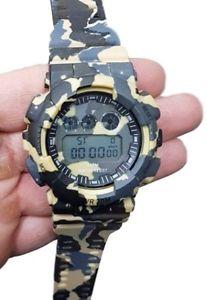 【送料無料】orologio sportivo zh 7901 uomo cronografo digitale data camouflage beige lac