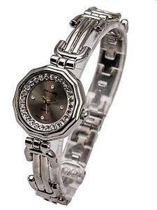 【送料無料】womens silver finish round case analog quartz watch