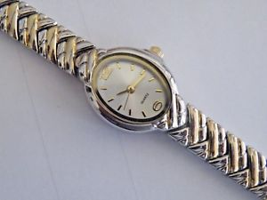 【送料無料】petite womans fashion quartz watch fresh battery
