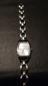 【送料無料】neues angebotrelic womens silver watch
