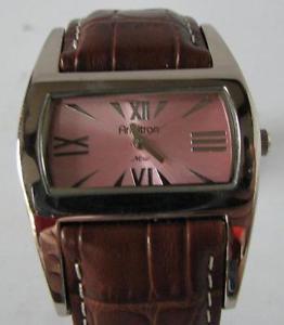 【送料無料】armitron quartz watch with leather bracelet