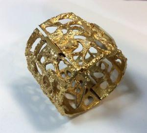 vintage  jonathan bailey trifari watch cuff, working condition